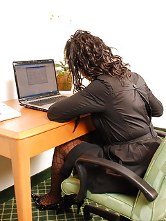 Shemale Office Pics