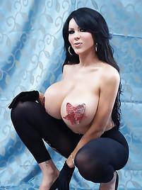 Beautiful Pornstar Ann Marie Expose Sweet Pussy