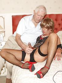 Mature crossdresser porn pics